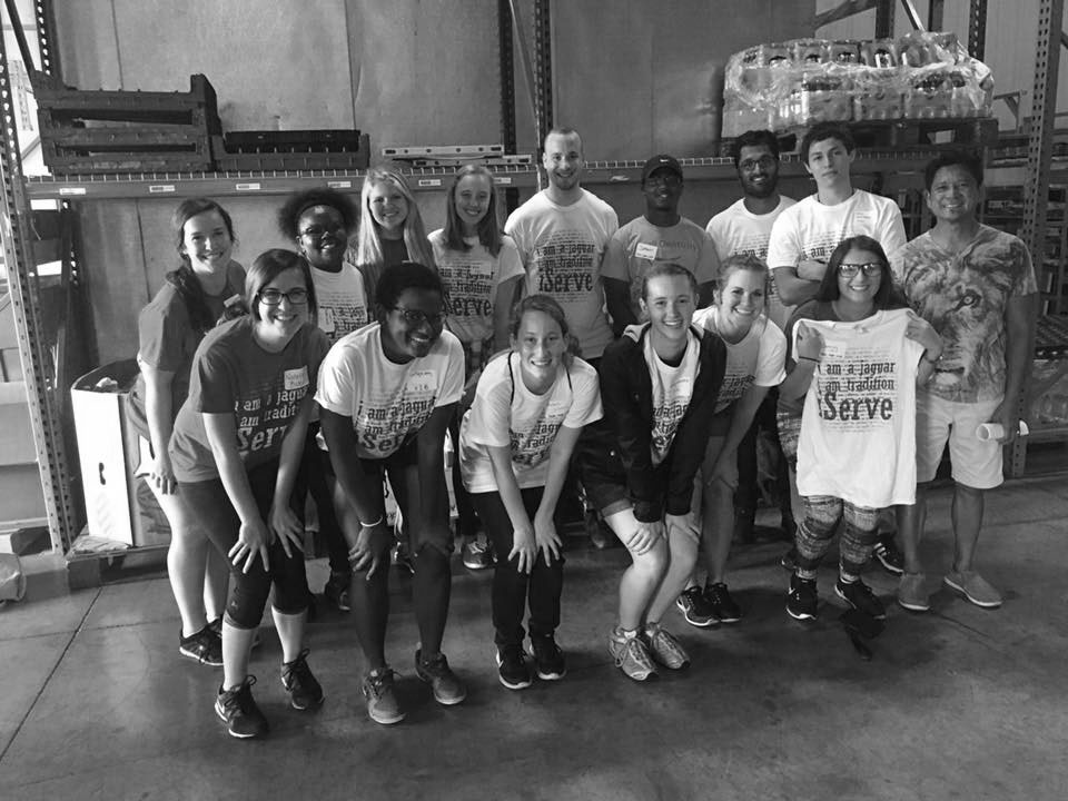 Kindness Day: IUPUI Volunteers Help FHL Warehouse Clean Up